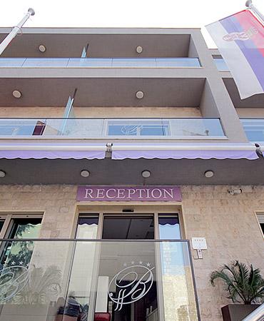 hotel-butua-residence-spolja-recepcija